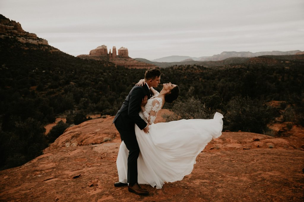 eloping in sedona courthouse vista