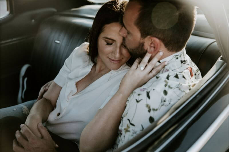 classic car engagament photos