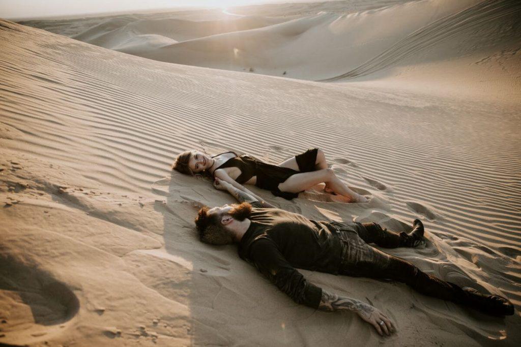 sand dunes couples photos