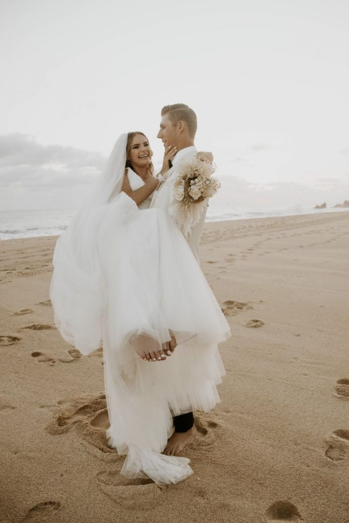 luxury wedding Cabo san lucas bride and groom photos