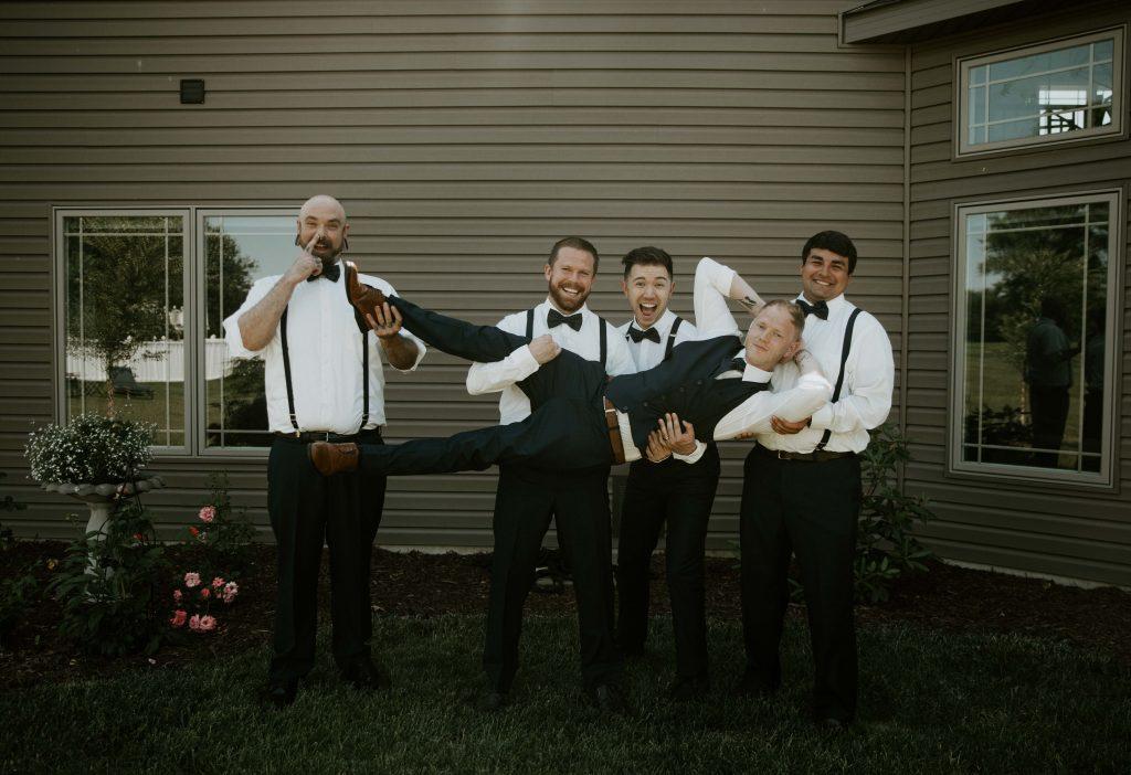 elopement groomsmen